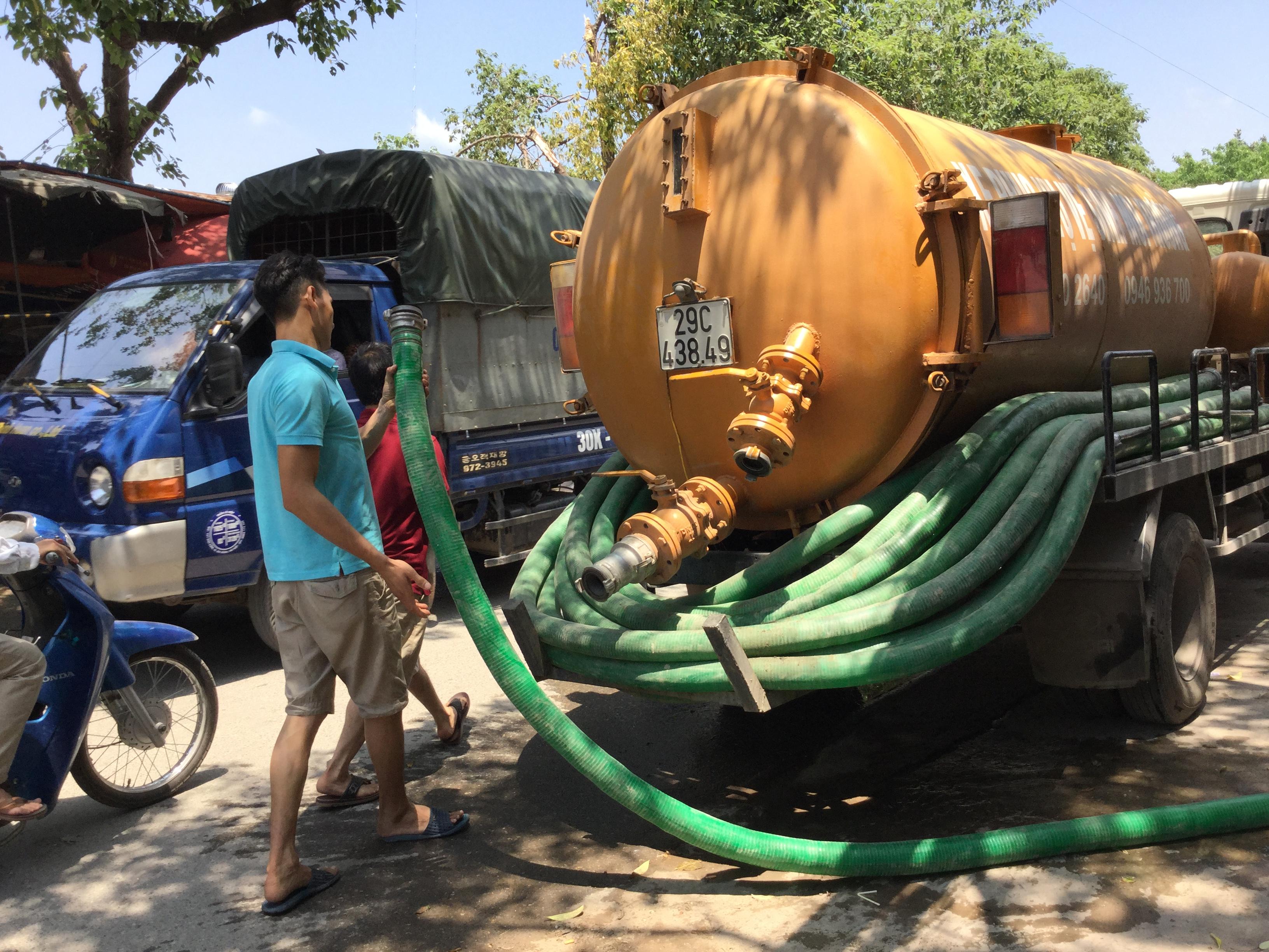 Nhiều người vẫn thắc mắc không biết hút bể phốt giá bao nhiêu tại Hà Nội